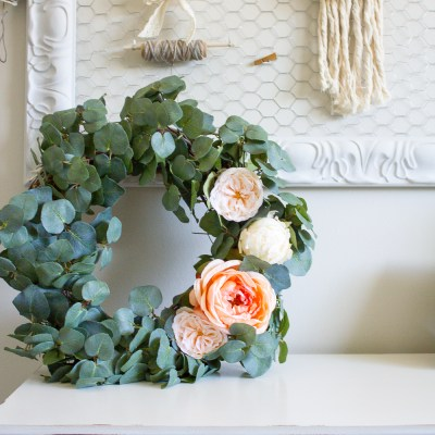 Farmhouse Home: How to Make your own DIY Eucalyptus Wreath