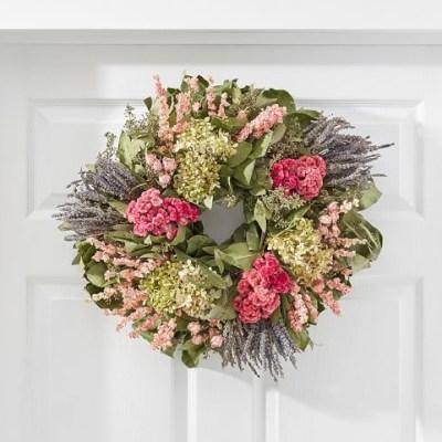 65+ Colorful Summer Wreaths to Brighten up your Front Door