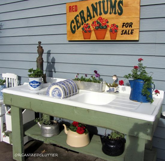 Incredible 12 Diy Potting Benches With Farmhouse Style Making It In Evergreenethics Interior Chair Design Evergreenethicsorg