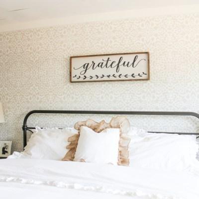 15 Minute Farmhouse Style Ruffle Burlap Pillow