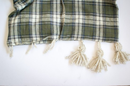 how to make a plaid tassel throw pillow