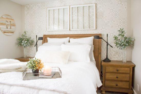 Farmhouse Style Guest Bedroom | www.makingitinthemountains.com
