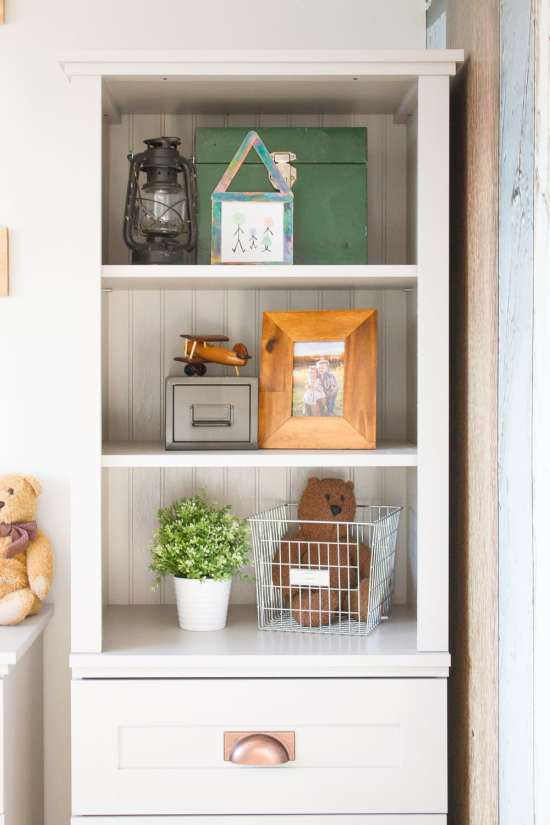 3 things I always consider when shelf styling (arguably the trickiest part of decorating!)...
