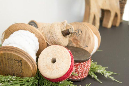 DIY Christmas Ribbon Spools | www.makingitinthemountains.com