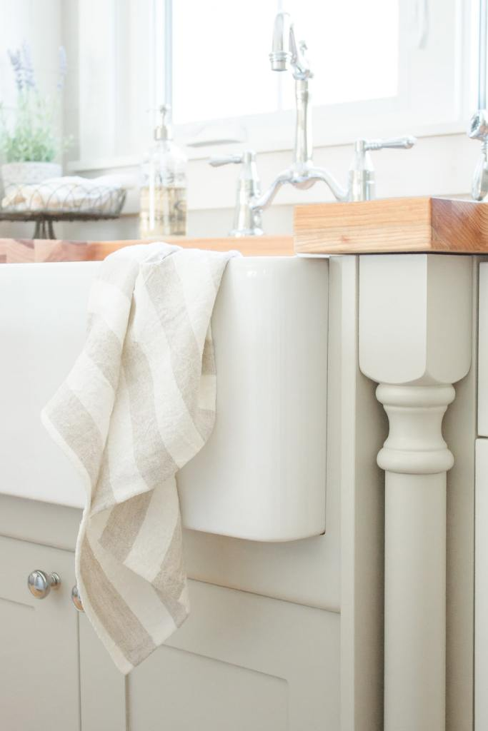 The best apron front sinks for any budget | www.makingitinthemountains.com  #farmhouse #farmhousestyle #farmhousekitchen