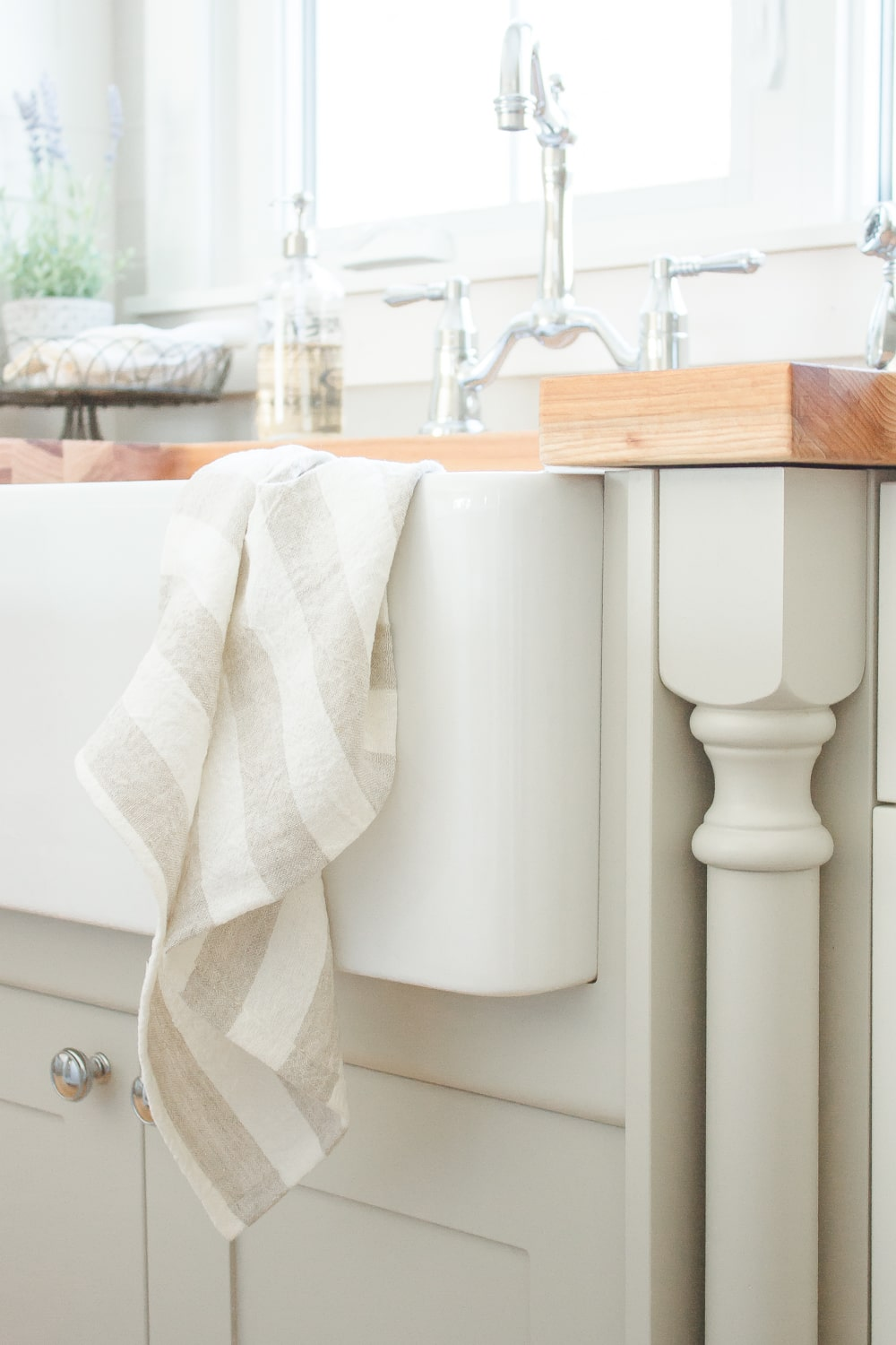The Best Apron Front Sinks For Any Budget | Www.makingitinthemountains.com  #farmhouse