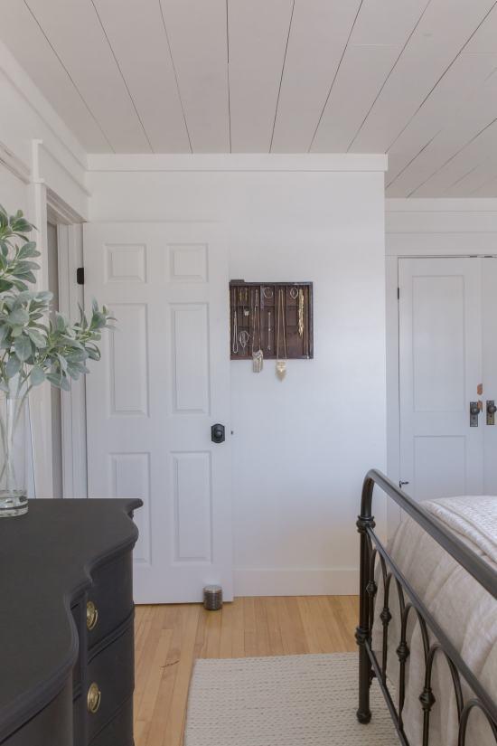 door and dreser