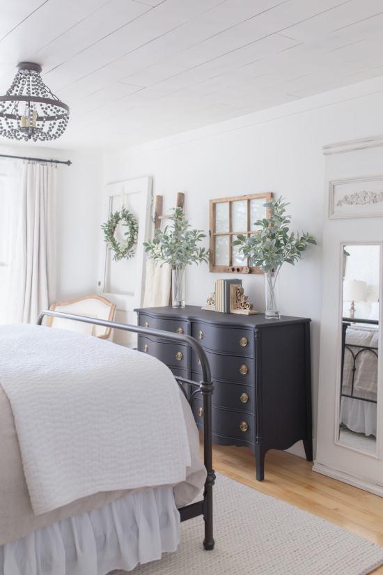 bed, dresser