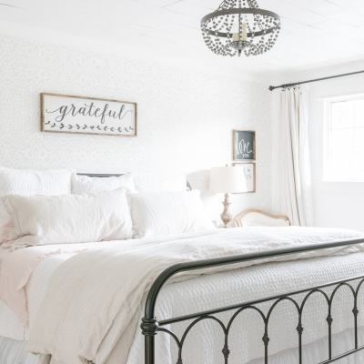 A Farmhouse Summer Bedroom Tour