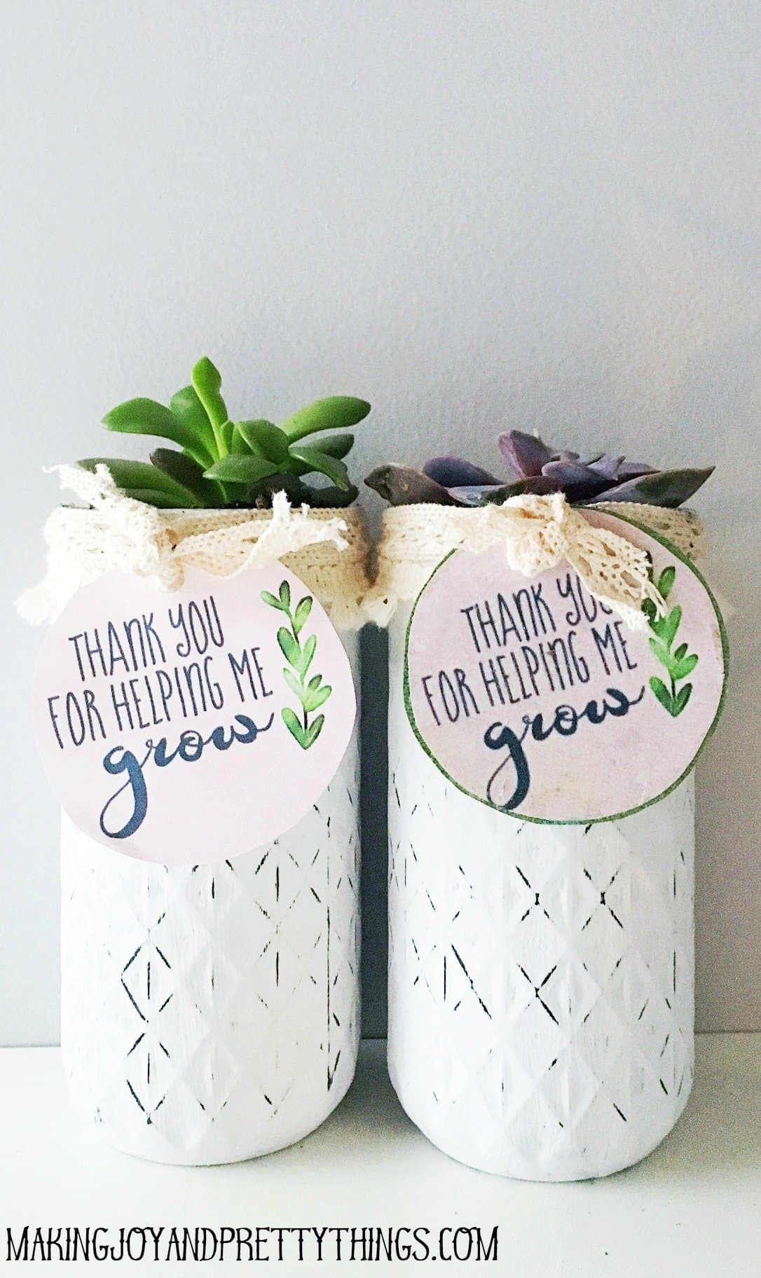 "DIY Teacher appreciation gift plus free printable ""thank you for helping me grow"" labels. Easy DIY succulent gift for that special teacher!"