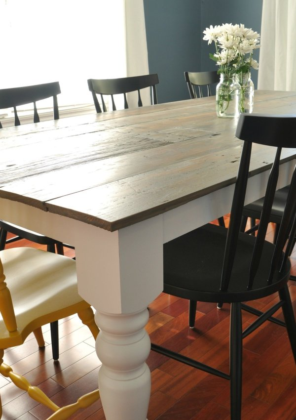 7 DIY Farmhouse Tables with Free Plans!
