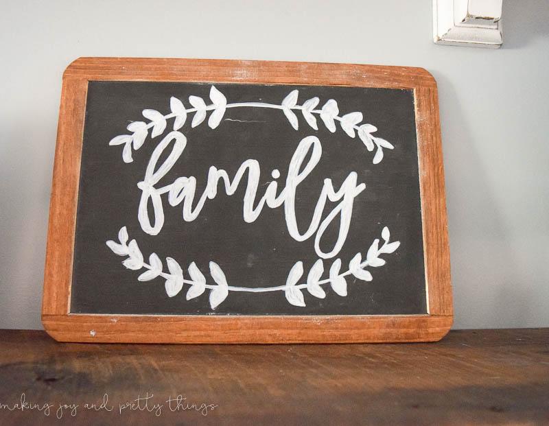 Simple Farmhouse Decor: DIY Lettered Chalkboard Sign