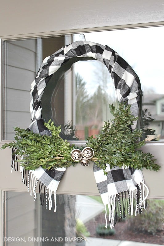 buffalo-check-wreath-using-a-scarf