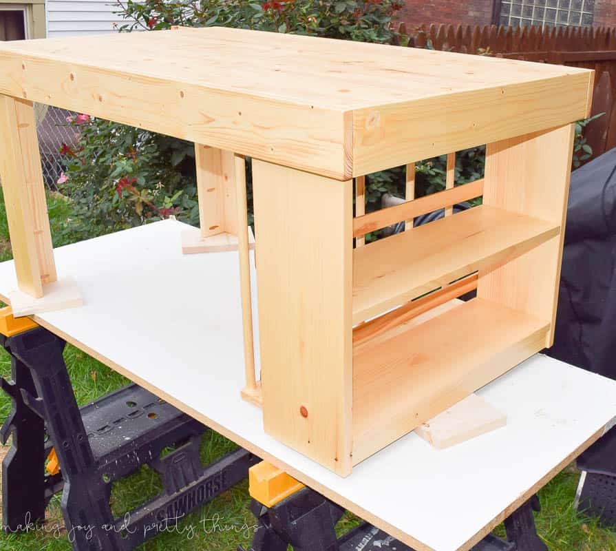 Diy kid 39 s craft table for Diy play table plans