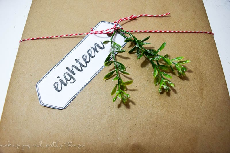 24 Stories for an Advent/Christmas Calendar Countdown (and Free Printable labels!)