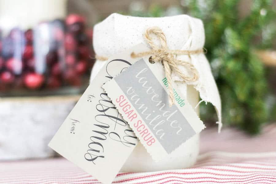 mason jar sugar scrub   12 Days of Craftmas   DIY Gifts   Crafty Gifts   Christmas Gifts DIY   Gift Ideas   DIY Christmas Gifts