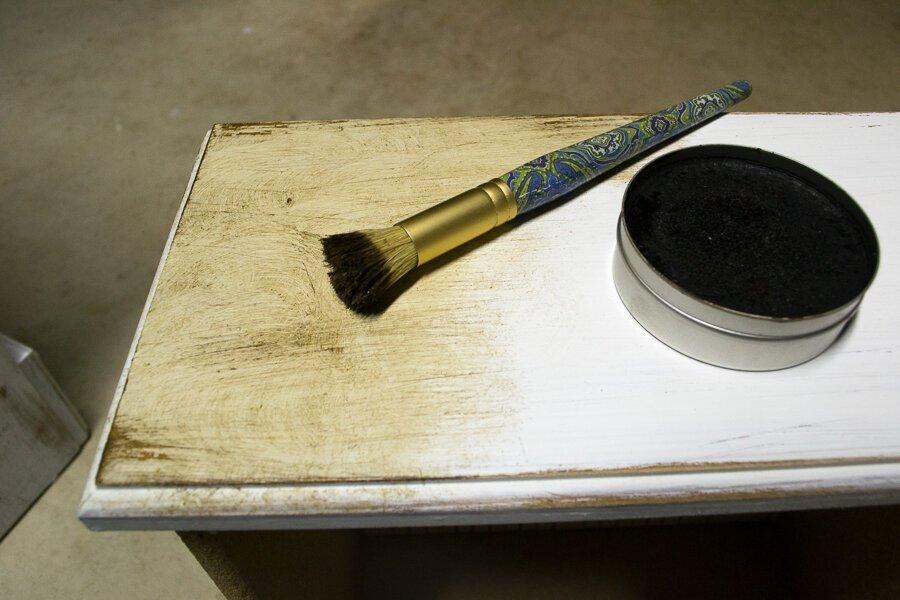 applying-wax