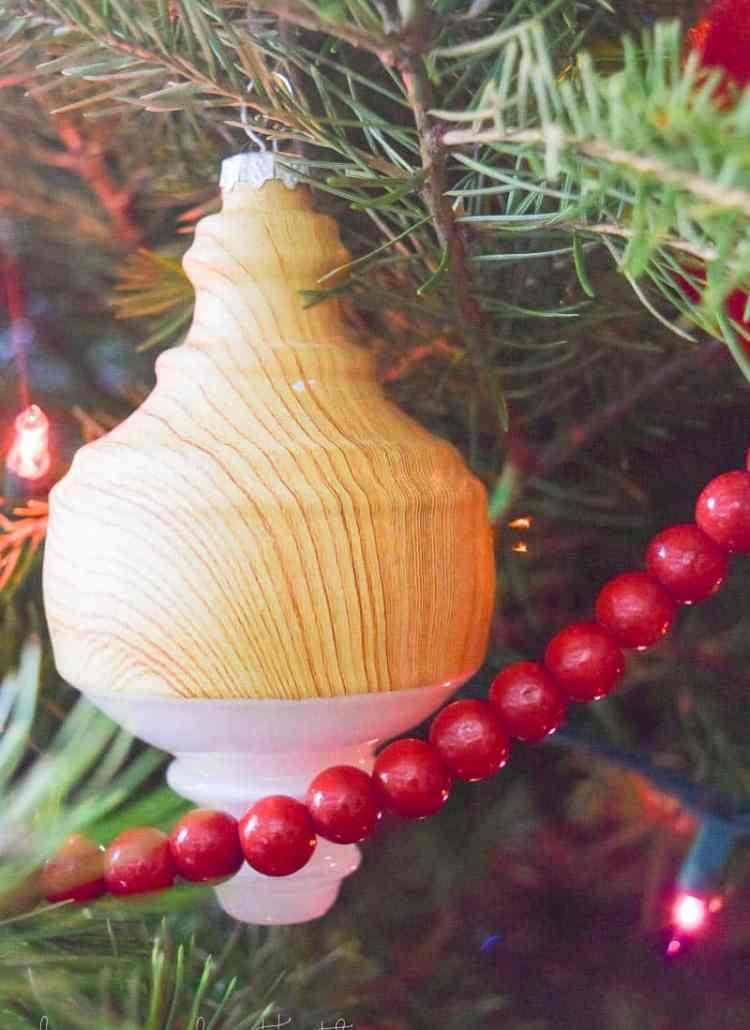 Family Christmas | Tree Decorating Ideas | Traditional Christmas Tree Decorations | Christmas Tree Decorations |