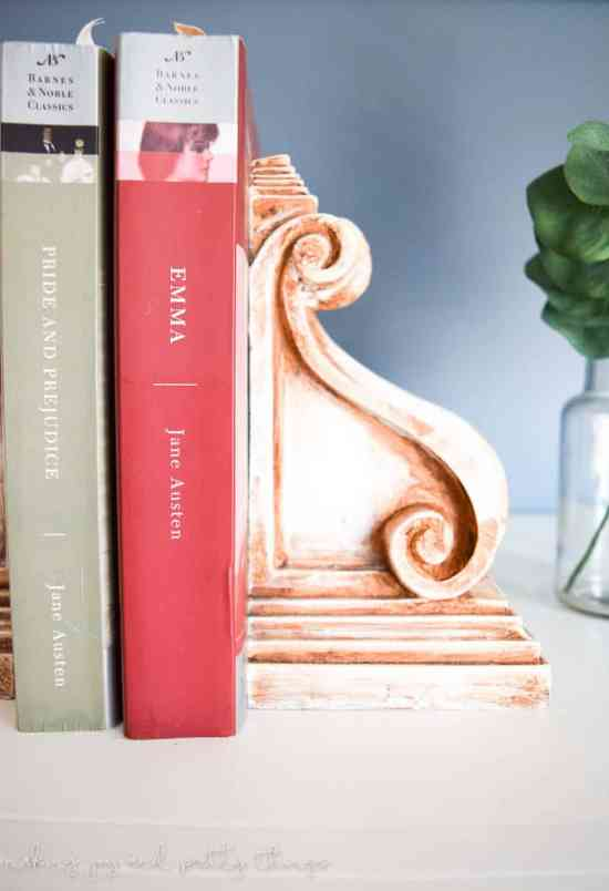 Rustic Corbel Bookends | Farmhouse Style | DIY Ideas | 12 Days of Craftmas | DIY Gifts | Crafty Gifts | Christmas Gifts DIY | Gift Ideas | DIY Christmas Gifts