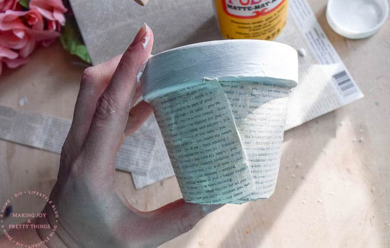 book page crafts   book pages   book page ideas   diy planters   diy planter ideas   rustic planters   diy crafts   diy home decor