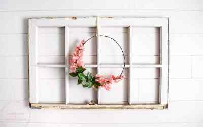 Simple Floral Farmhouse Wreath