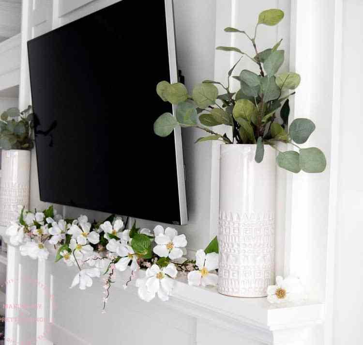 spring mantle | spring mantle decor | spring decor | mantle decorating ideas | mantle decor with TV | spring ideas | farmhouse spring decor | farmhouse spring mantle