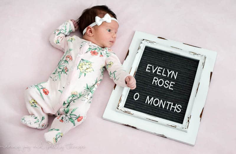 Monthly Baby Photos: How to Make a DIY Letterboard