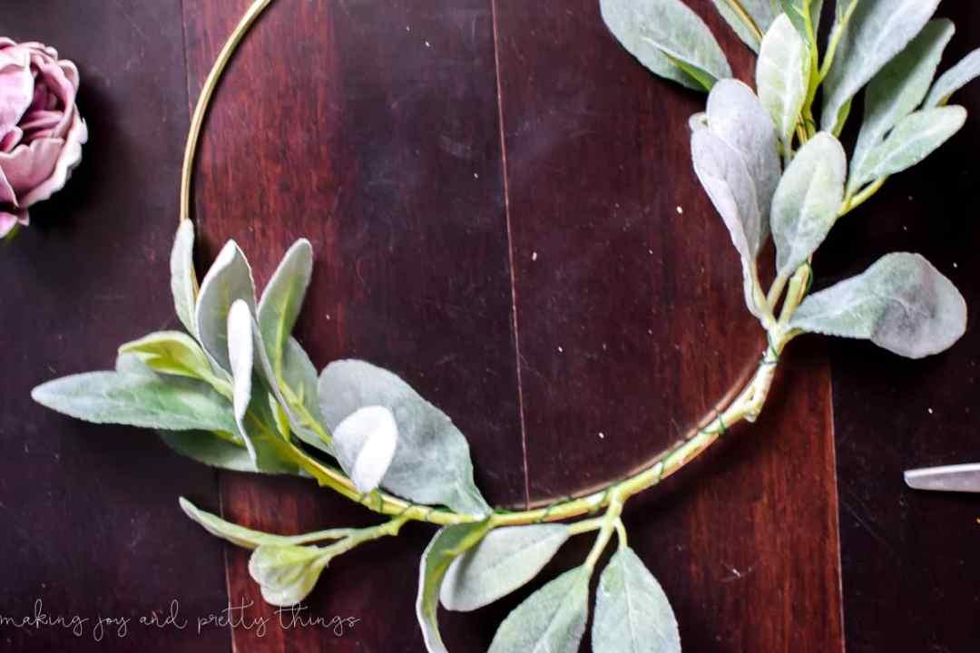 moody modern fall wreath | diy fall wreath | diy wreath | minimalistic wreath | modern farmhouse | gold hoop wreath