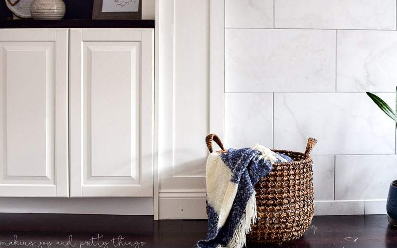 ikea hack | diy built ins | ikea kitchen cabinets | ikea ideas | living room ideas | living room built ins | living room bookshelves | built in bookshelves | best ikea hacks | ikea hack living room | ikea hack built in cabinets