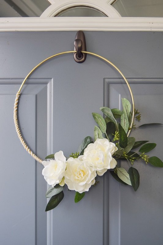 Diy Minimalist Gold And White Winter Wreath