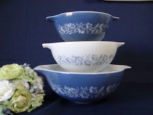 Pyrex Colonial Mist Blue and White Casserole Mixing Bowl Cinderella Bowl
