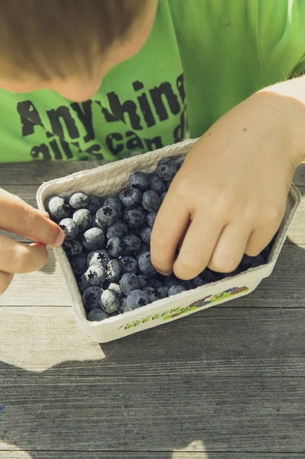 how to teach toddlers to eat healthy