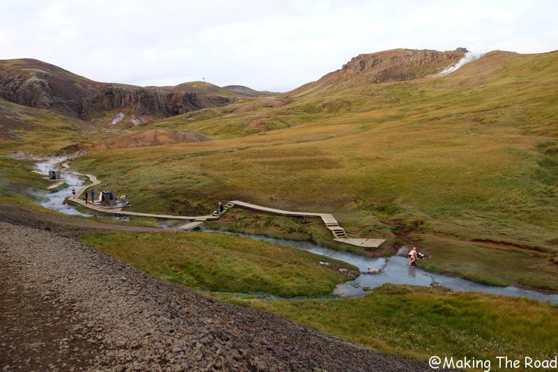 se baigner hot pot islande Hveragerdi sources d'eaux chaudes gratuites naturelles