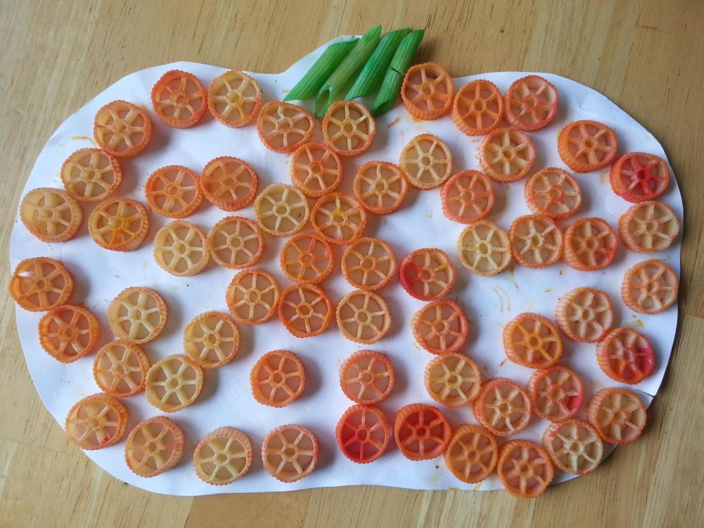 10 easy preschool halloween crafts