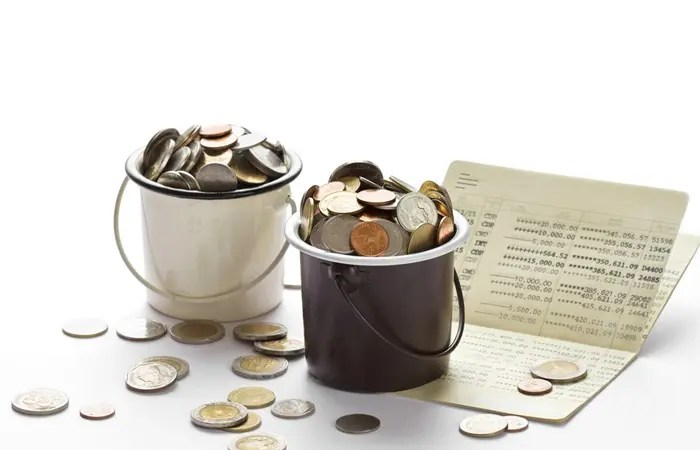 """The Advantages of Keeping Separate Money """"Buckets"""""""