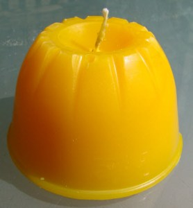 Making Halloween Candles for Free: Pumpkin