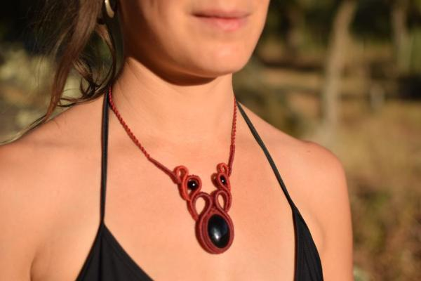 Collar estilo hippie