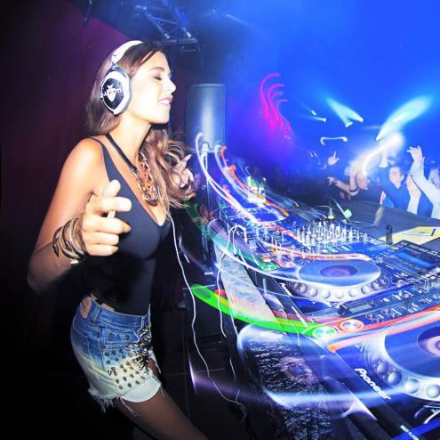 DJ-Juicy-M-2015-12