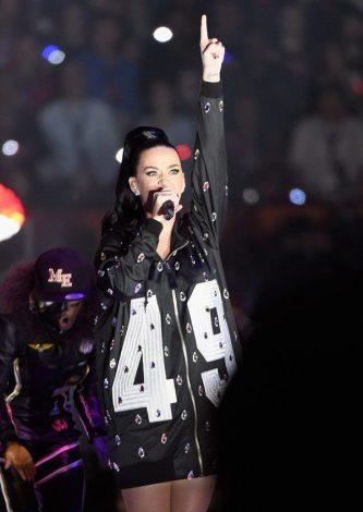 Katy-Perry-Super-Bowl-2015-11