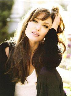 Angelina-Jolie-15