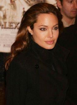 Angelina-Jolie-61
