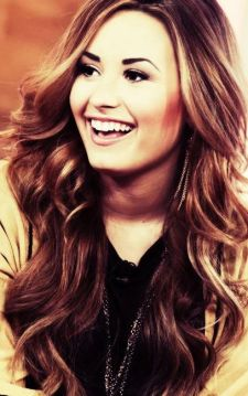 Demi-Lovato-3