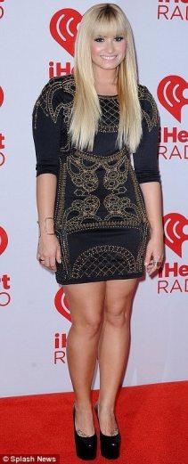 Demi-Lovato-33