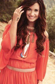 Demi-Lovato-36