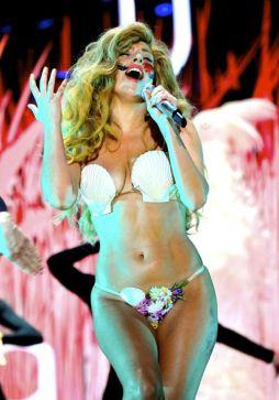 Lady-Gaga-60