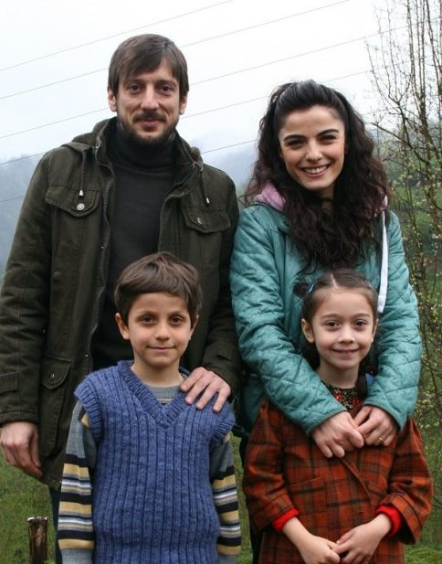 Yagmur-Kiyamet-Cicegi-2014-filmi-3