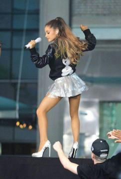 Ariana-Grande-Photos-Foto-Galeri-2014-2015-48