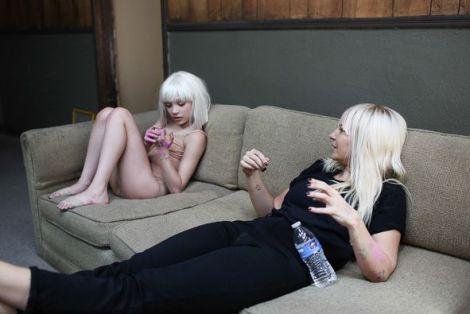 Maddie-Ziegler-Sia-New-Yeni-Video Yine Sia, Yine Maddie Ziegler!Yeni Video Klip