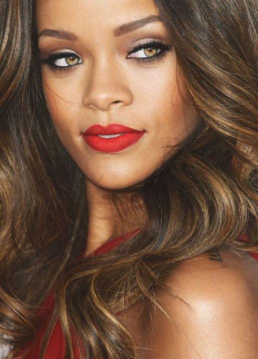 Rihanna-13