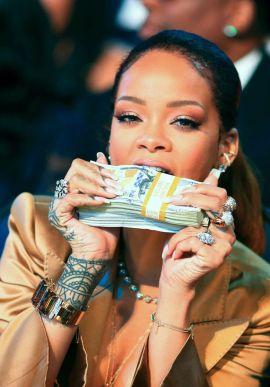 Rihanna-40